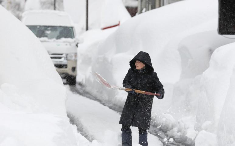 Újabb két métrenyi friss havat kapott Japán