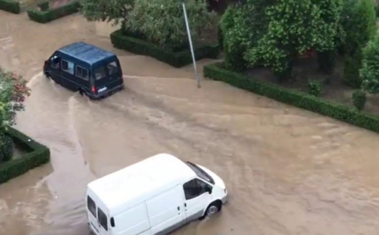 Durva áradással nyitotta az évet Albánia