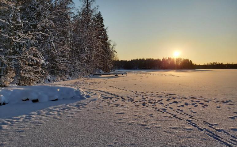 Több ezren maradtak áram nélkül a havazás miatt Svédországban és Finnországban