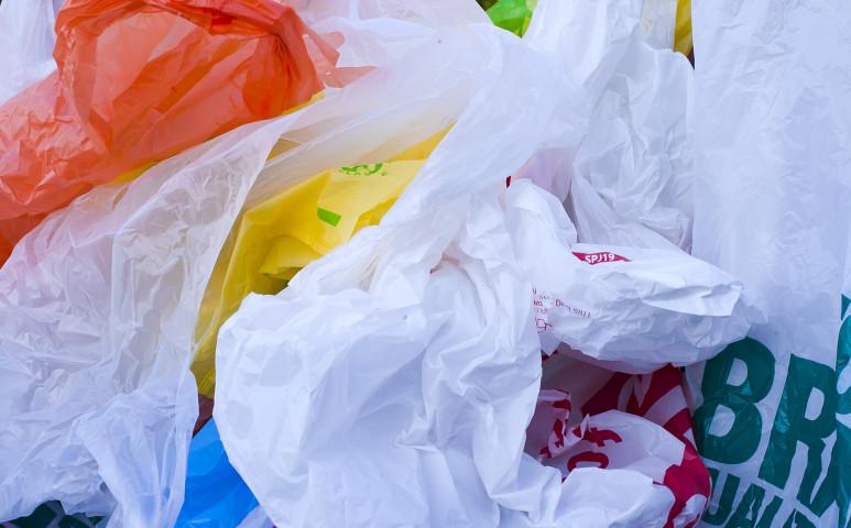 Ausztriában is lőttek a műanyag szatyroknak