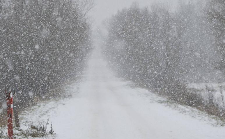 Szakadhat a hó hétfő hajnalban