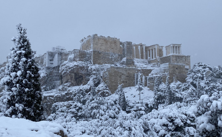 Intenzív havazás kényszerítette térdre Görögországot