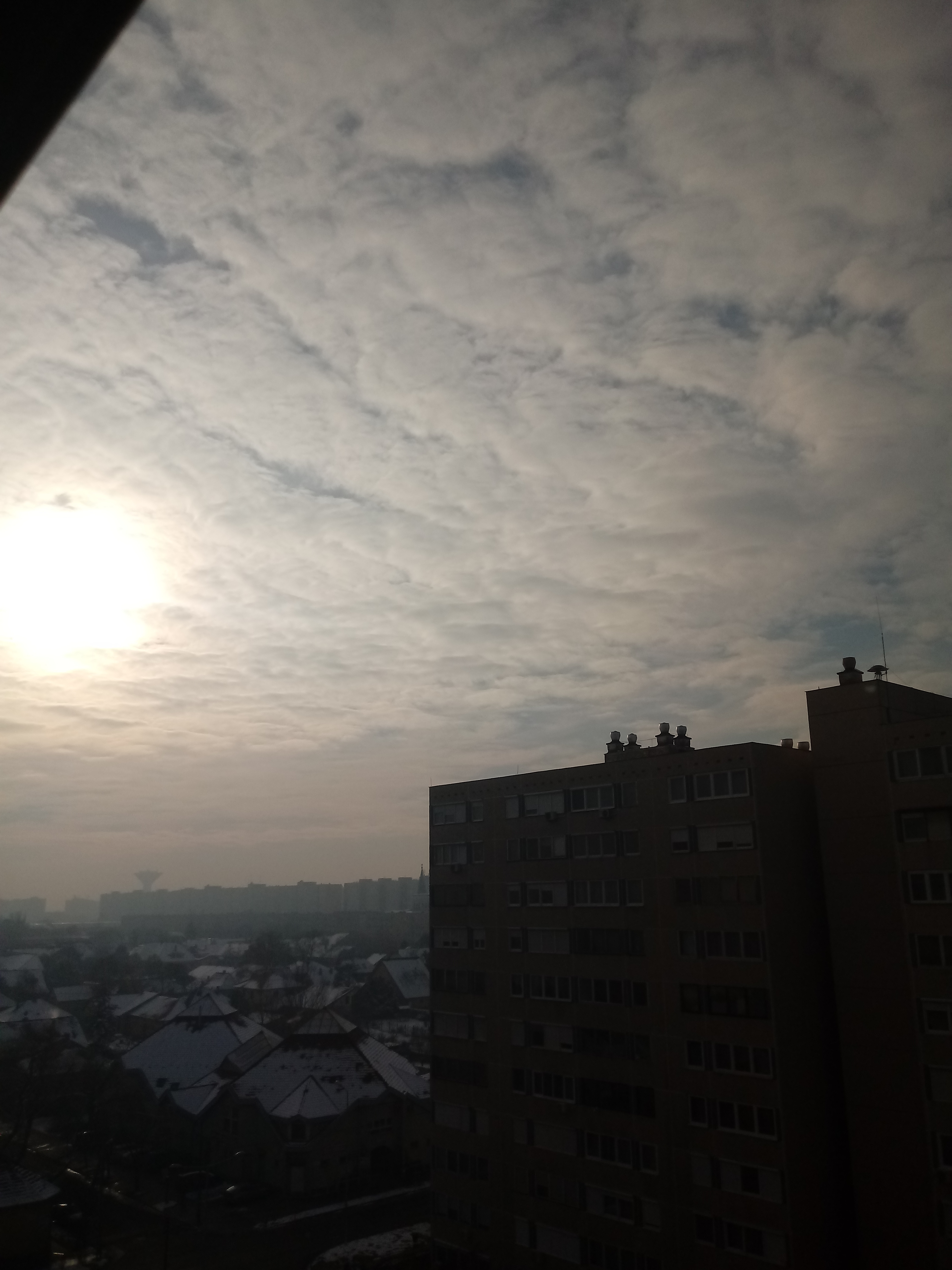 f6bb60180e Változóan felhős