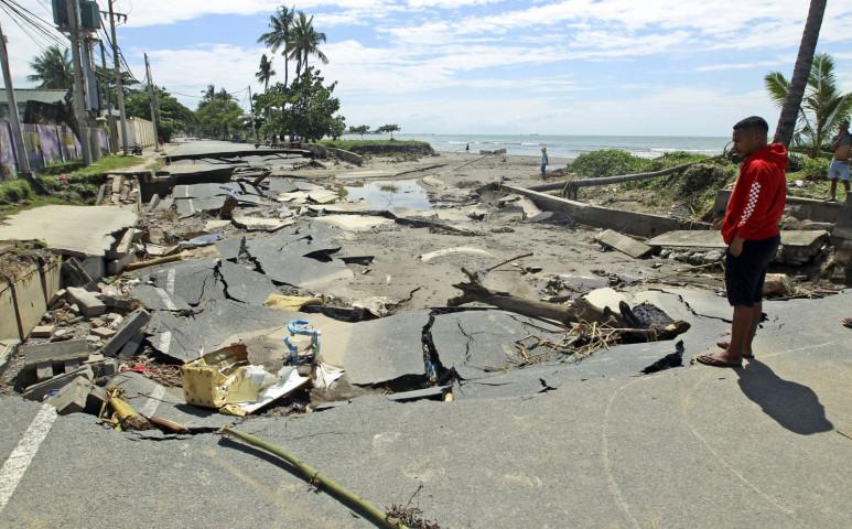 Elszabadult a pokol Indonéziában, áradások és földcsuszamlások szedik sorra az áldozataikat