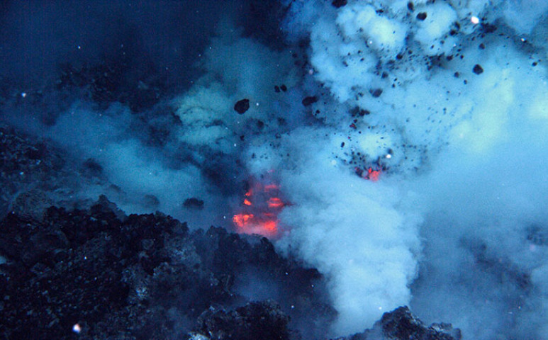 Döbbenetes mennyiségű energiát rejt az óceán feneke