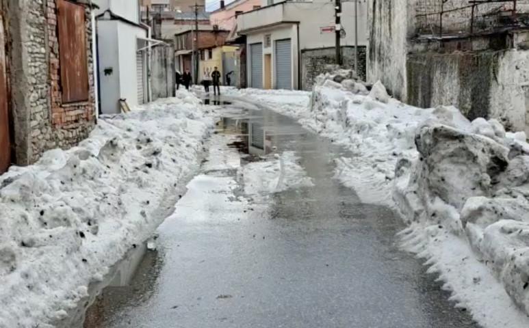 50 centi jeget hagyott hátra a vihar Albániában