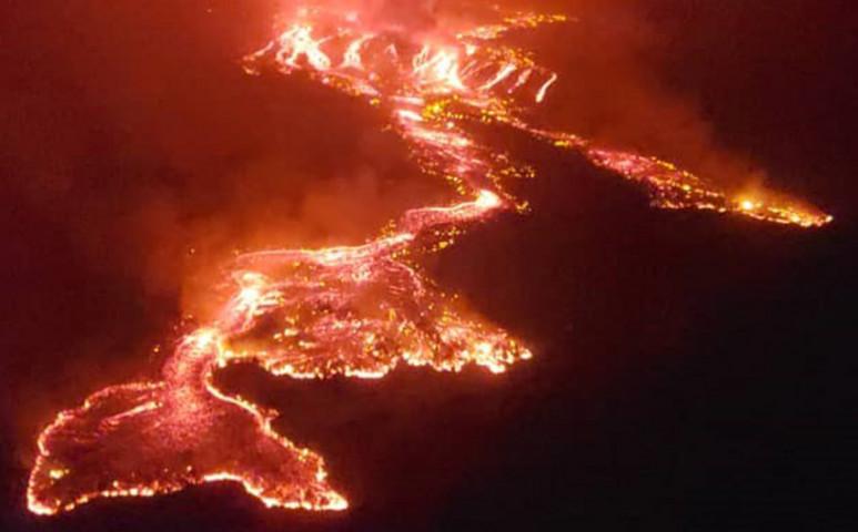 Válogatás nélkül pusztít mindent a Nyiragongo lávafolyama