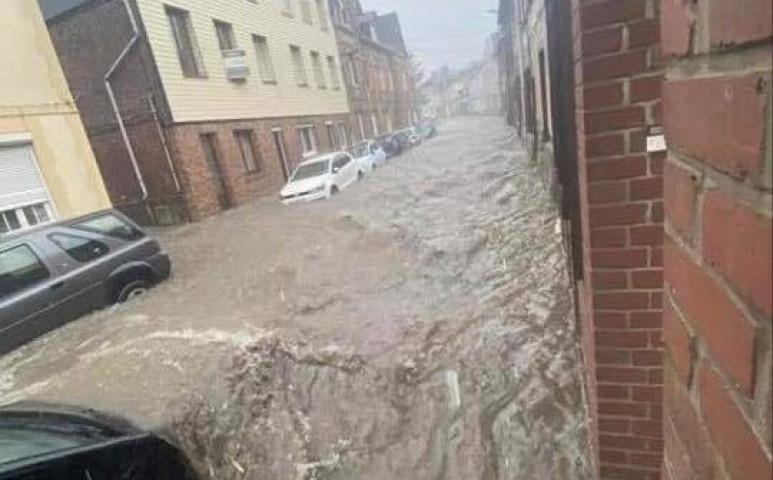 Heves esőzéseket követő áradások Franciaországban