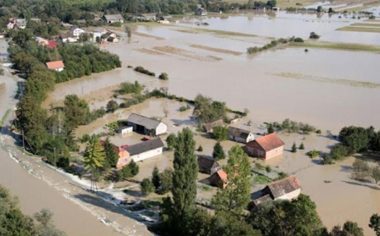 Európában heves esőzések rombolnak