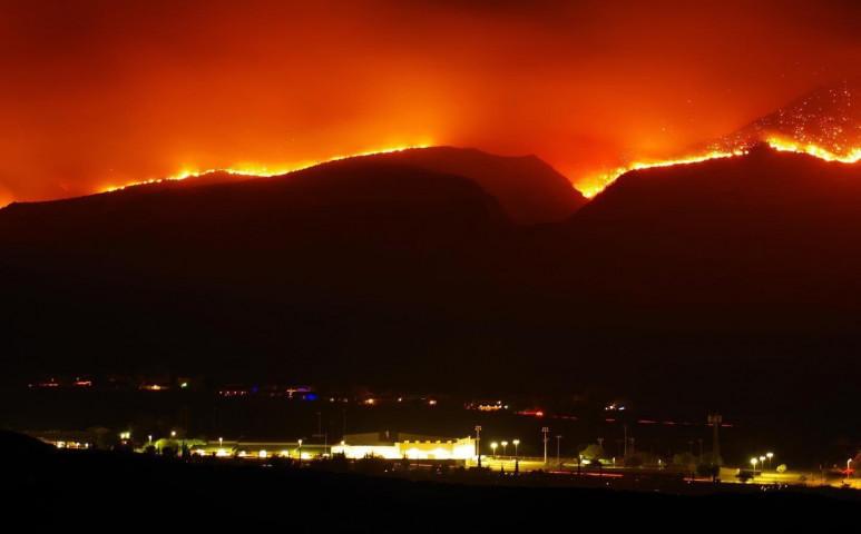 2 tűz is tombol egyszerre Arizonában