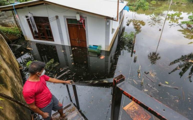 17 ember halt meg Sri Lankán a tomboló vihar miatt