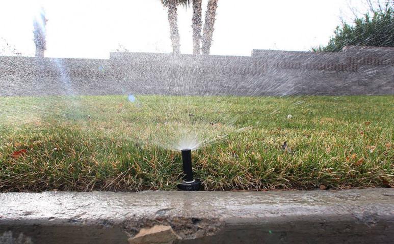 Las Vegasban a szárazság miatt végleg betiltják a díszgyepeket