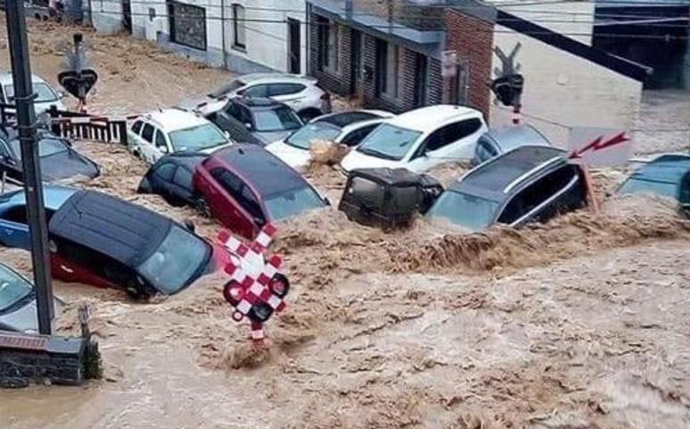 Belgiumban újra rombolt az eső...