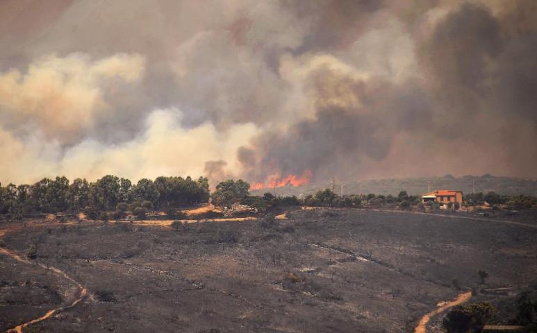 Szardínia lángokban áll - elképesztően nagyok a veszteségek