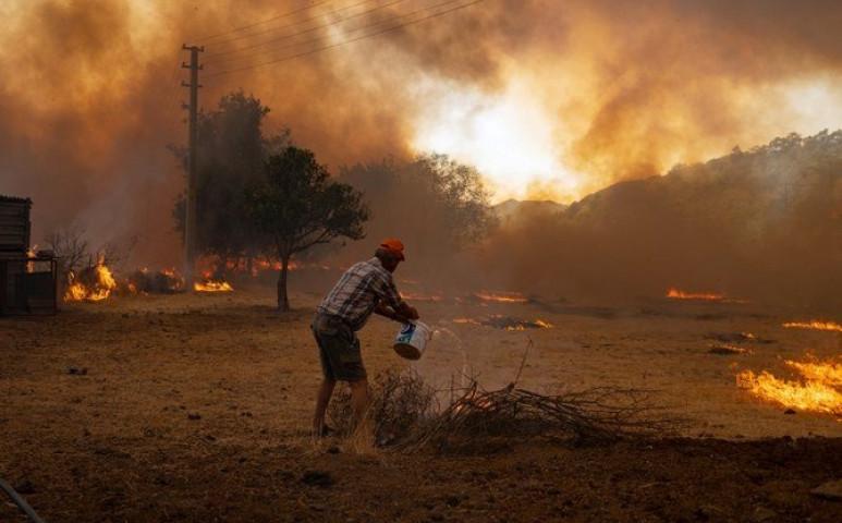 Tovább nőtt a törökországi tűzek halálos áldozatainak száma