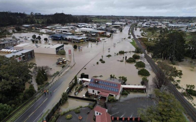 Új-Zéland víz alatt a heves esőzések nyomán
