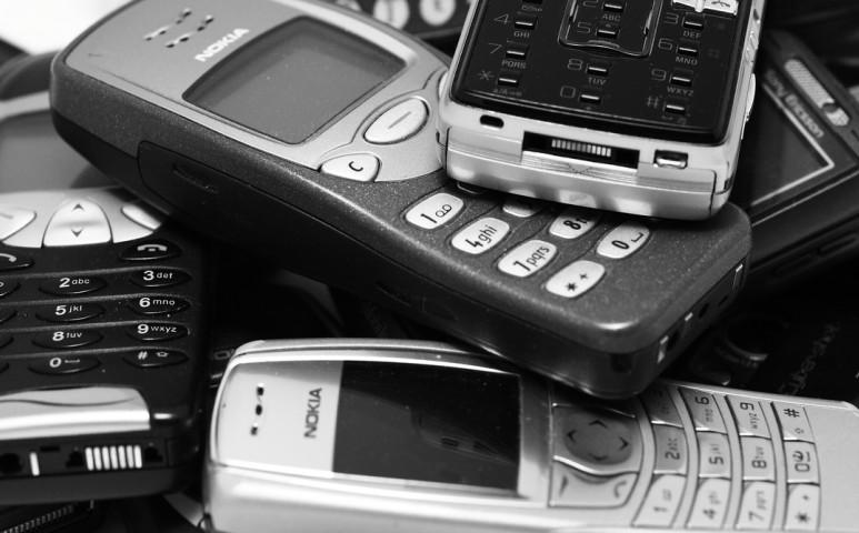 Gorillákat menthet a leadott régi mobilokkal